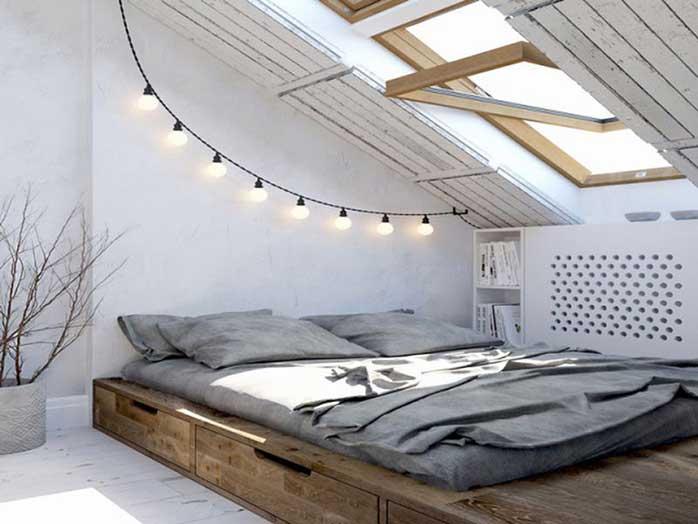 Vừa là cách lấy ánh sáng, lấy gió vừa chống nóng cho tầng áp mái, thiết kế cửa sổ là giải pháp phổ biến