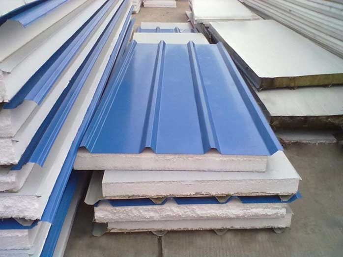 Hiện nay tôn chống nóng đang trở thành vật liệu phù hợp giá rẻ để chống nóng cho tầng áp mái và cho nhà dân