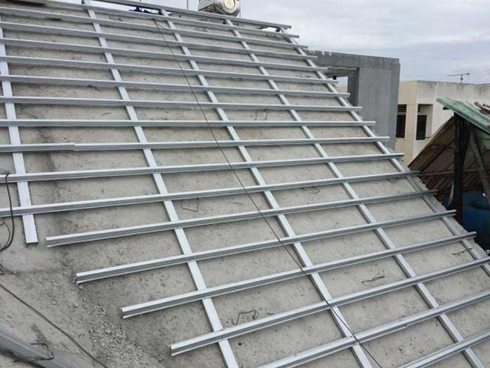Đổ mái bê tông dán ngói mới có thể cải tạo tầng áp mái thành phòng ngủ, phòng làm việc