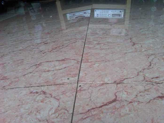 Tư-vấn-chọn-sàn-gỗ-hay-gạch-men-lót-nền-nhà-4.jpg